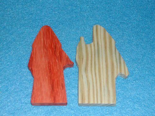 2 Multi-Wood Figures