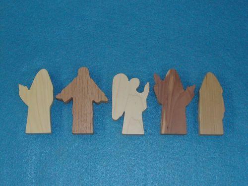 5 Multi-Wood Figures