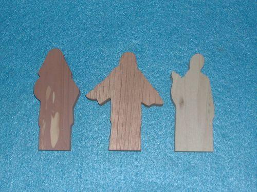 3 Multi-Wood Figures