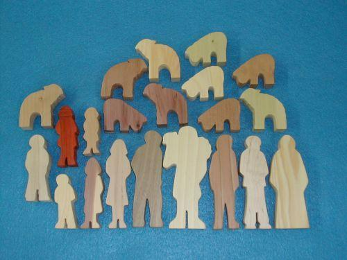 21 Multi-Wood Figures