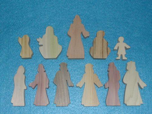 11 Multi-Wood Figures