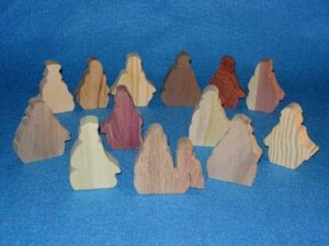 14 Multi-Wood Figures