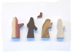 5 Multi-Wood Figures