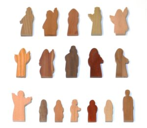 17 Multi-Wood Figures